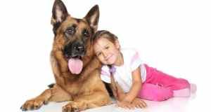 dijete i kućni ljubimac
