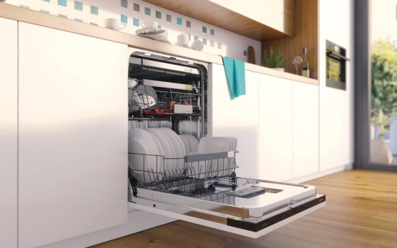 otvorena perilica za posuđe