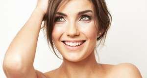 nasmijana žena