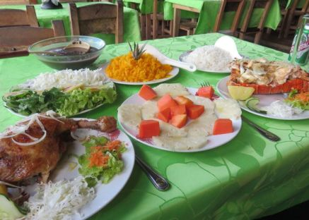 The full lunch spread at El Campesino in Vinales.