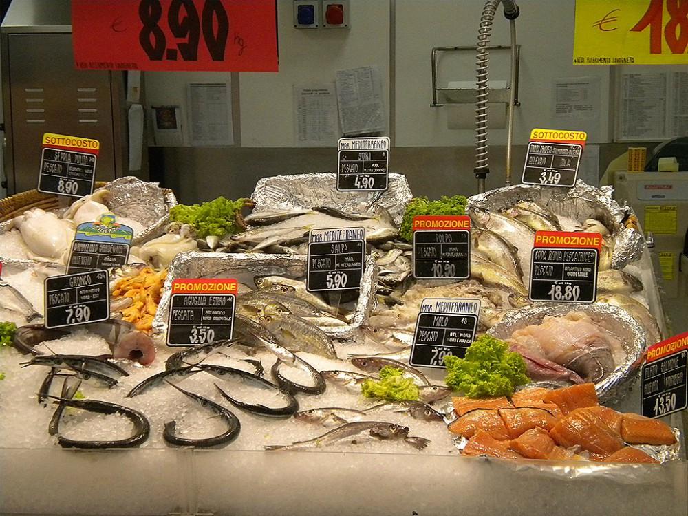 overhead image of seafood initaly
