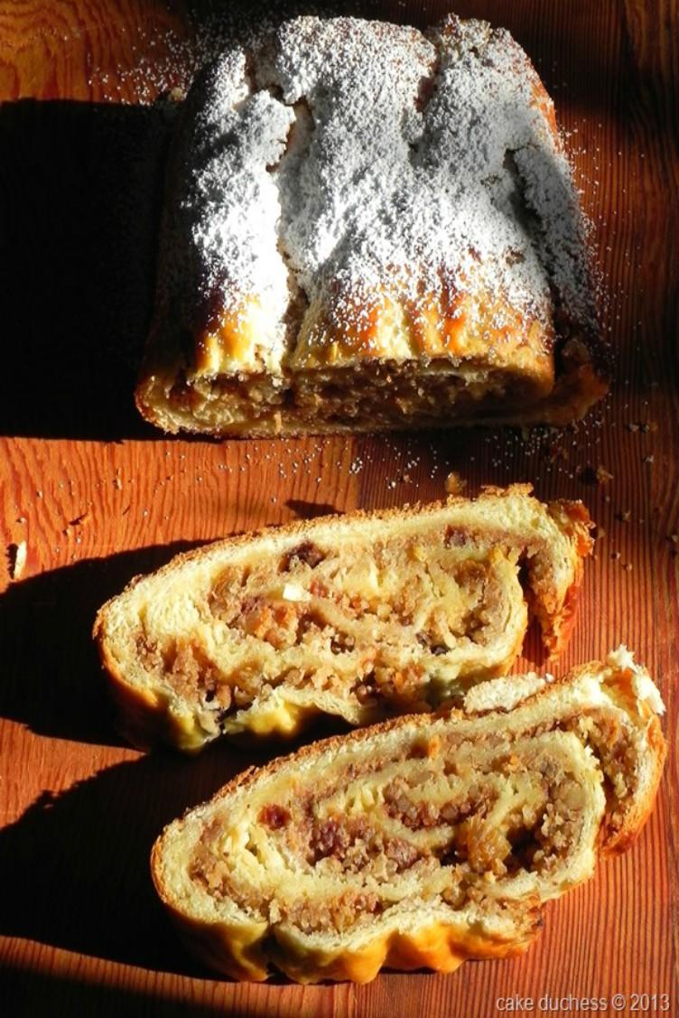 overhead image of sliced nut roll