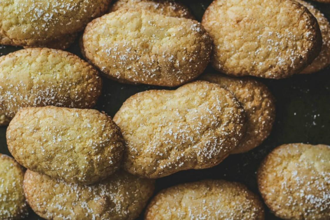 image of ladyfinger cookies