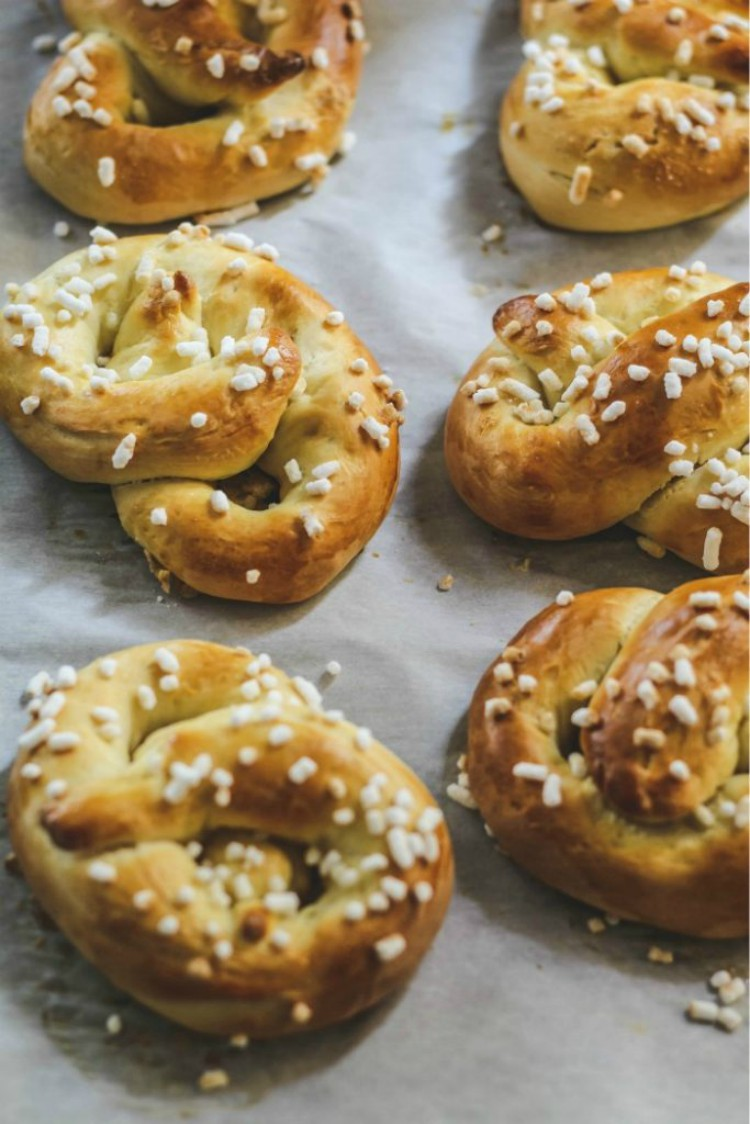 overhead image of sweet pretzels