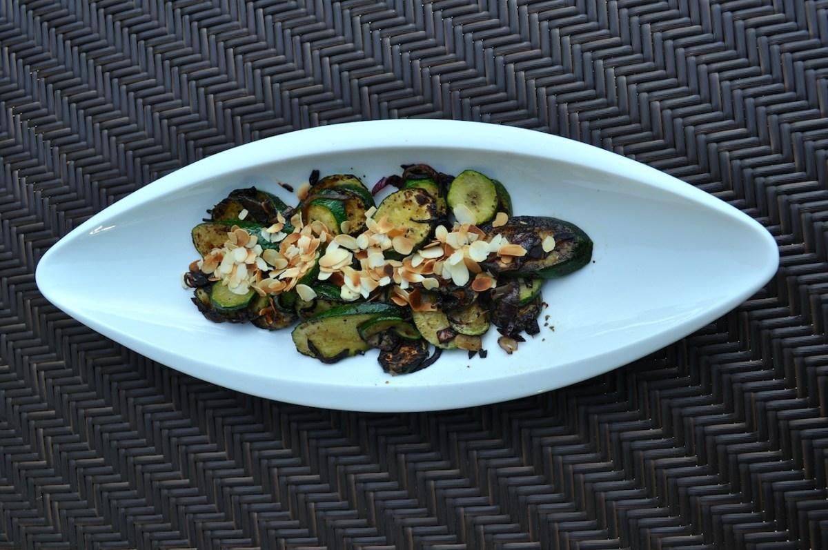 Sautéed zucchini with basil and almonds