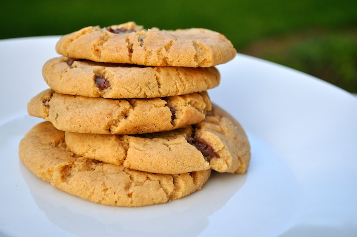peanut butter cookies stuffed with nutella