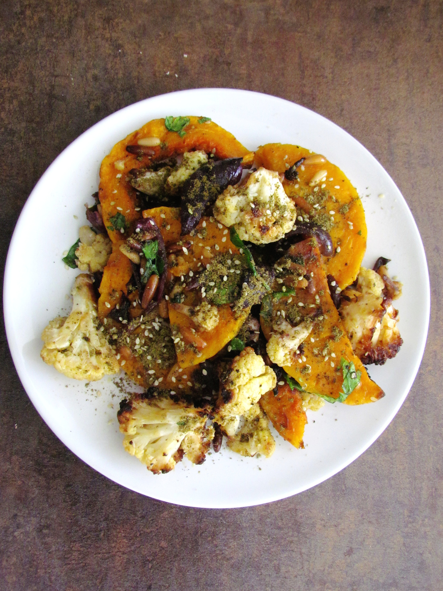 roasted butternut squash and cauliflower with tahini | www.savormania.com