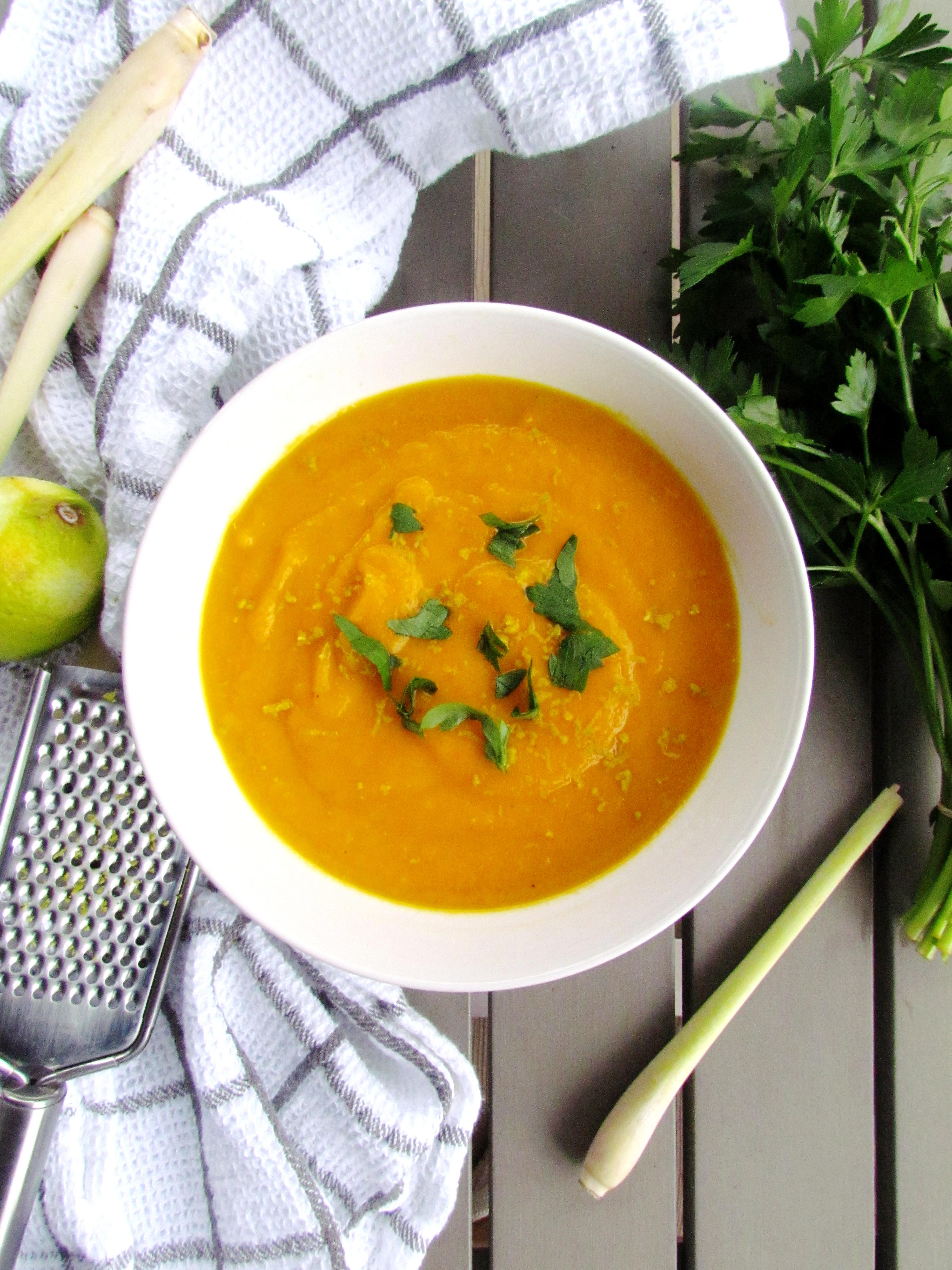 soupe de carottes asiatique à la noix de coco et citronnelle