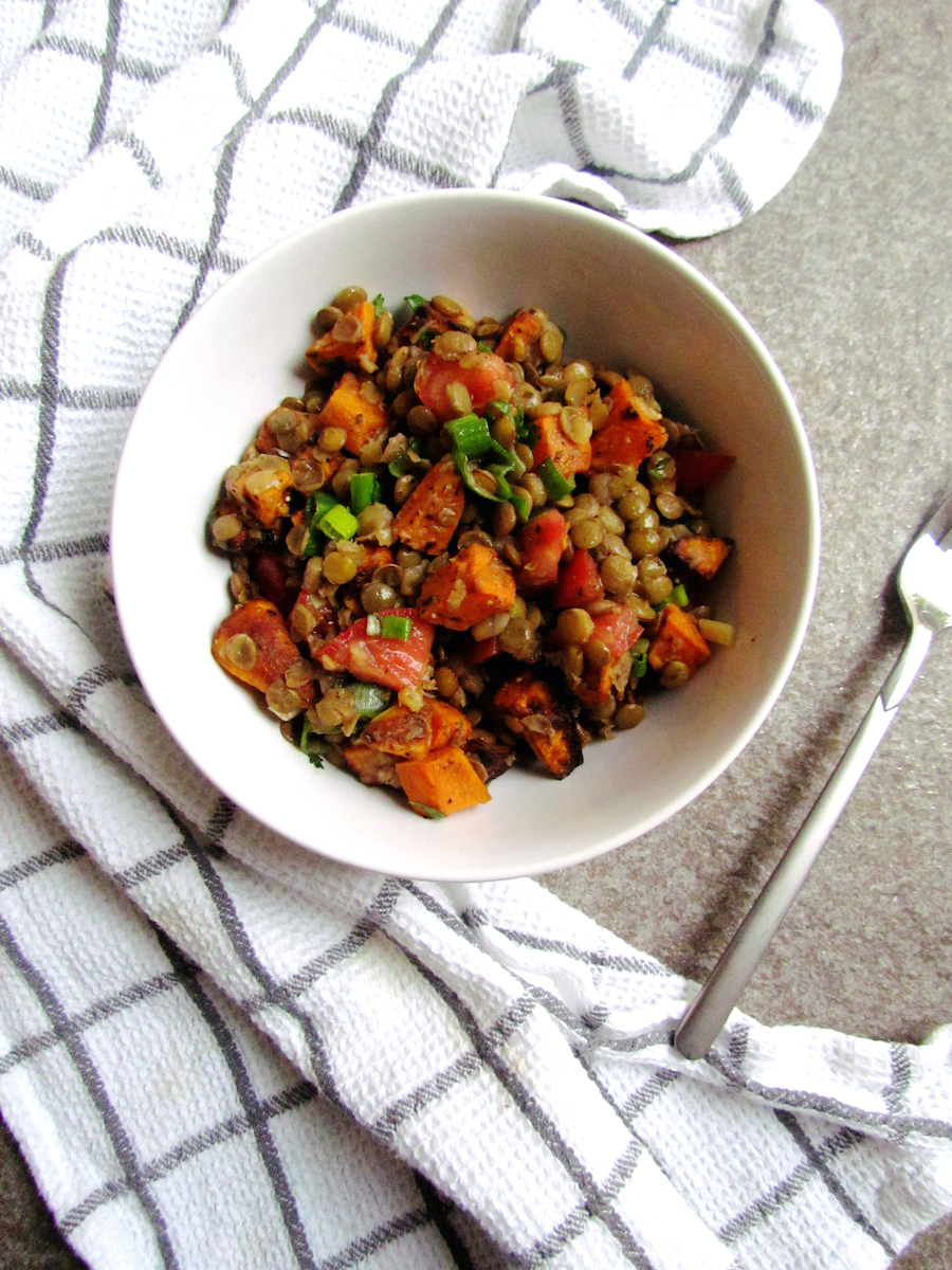 roasted sweet potato and lentil salad | www.savormania.com