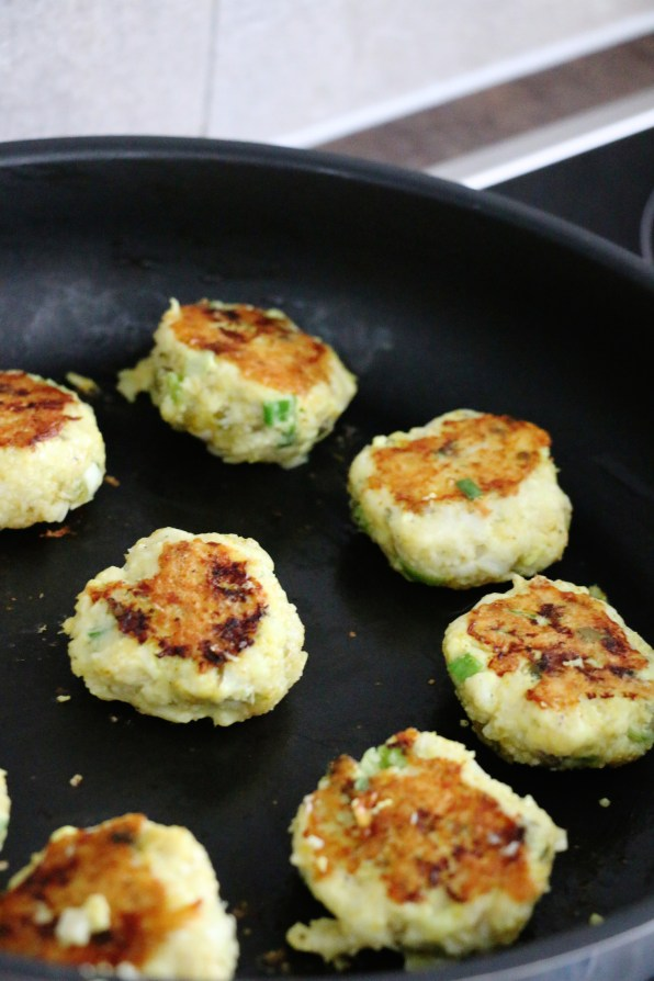 lemon cod cakes | www.savormania.com