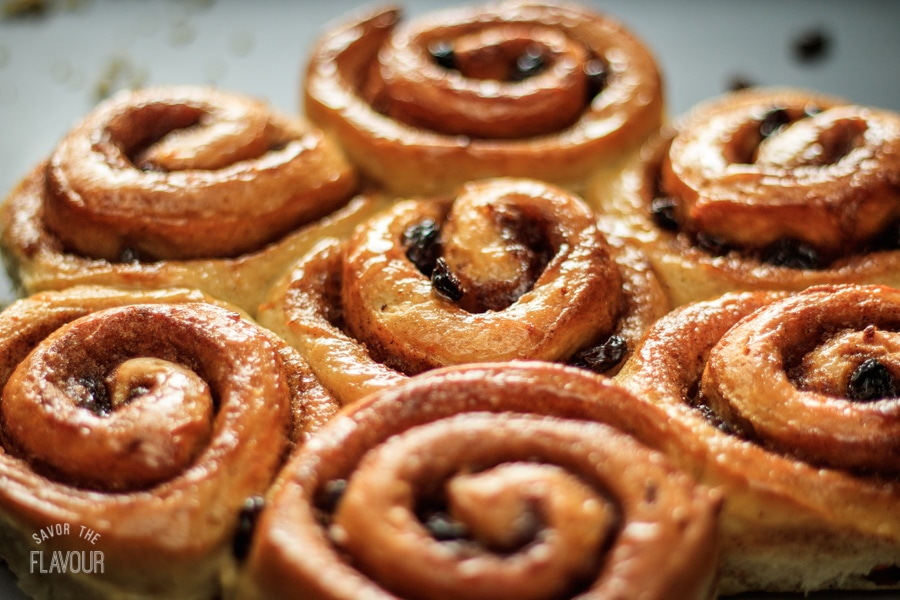 Cinnamon Buns with Raisins: a delightfully soft and sticky bun that will fill your house with a delicious aroma. | www.savortheflavour.com