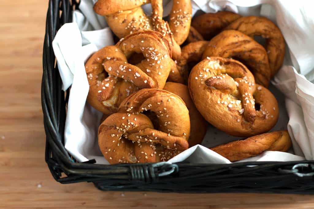 German Soft Pretzels | savorynothings.com