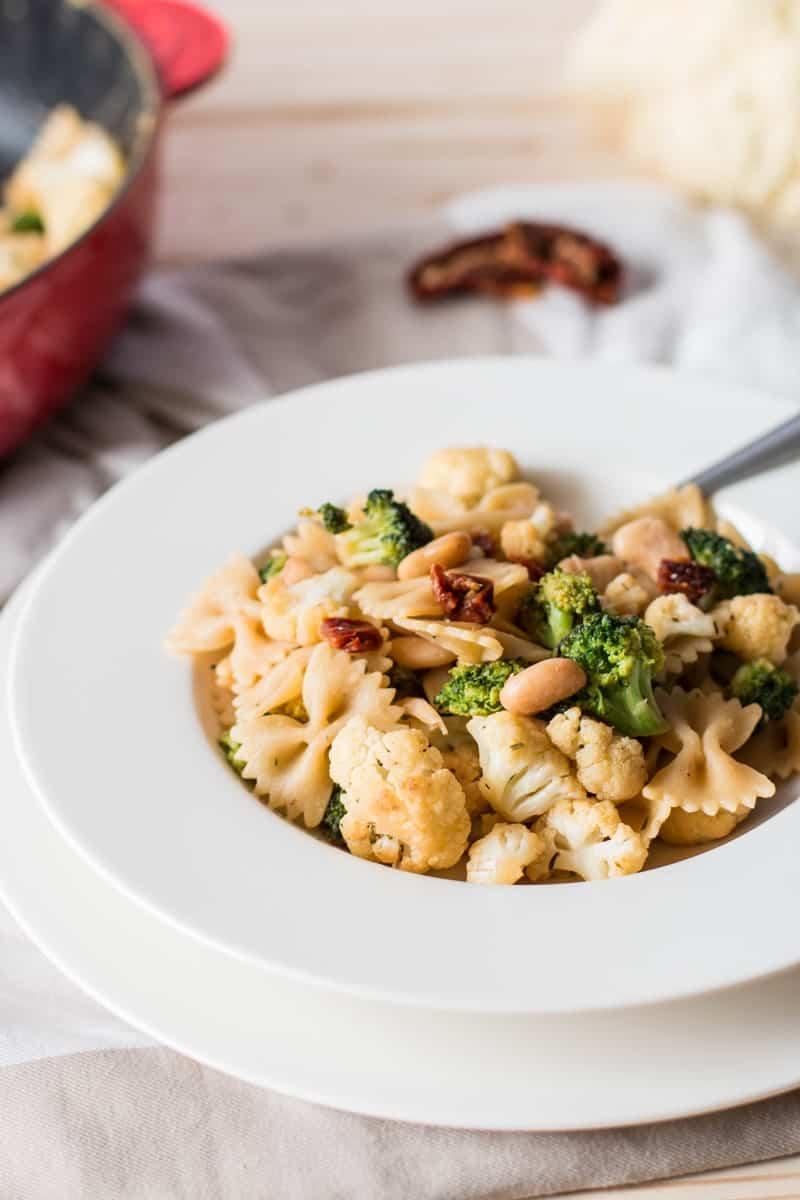 Pasta with Broccoli and Cauliflower {low fat & vegan} | savorynothings.com