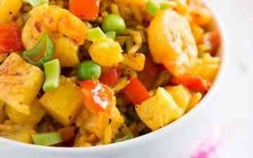 This pineapple shrimp fried rice is going to be your new weeknight staple - see for yourself how easy it is to make!