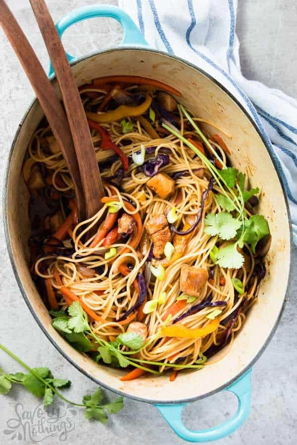 These EASY Honey Garlic Chicken Stir Fry Noodles are a great easy family dinner recipe.