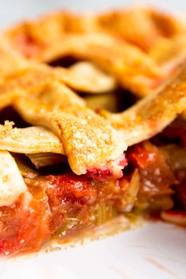 close up of strawberry rhubarb pie filling