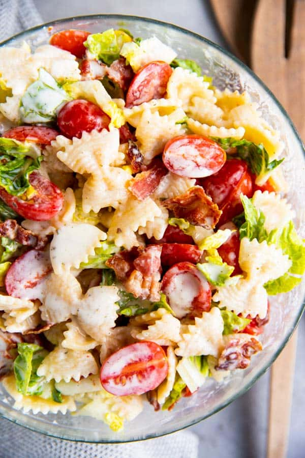 blt pasta salad in a glass bowl
