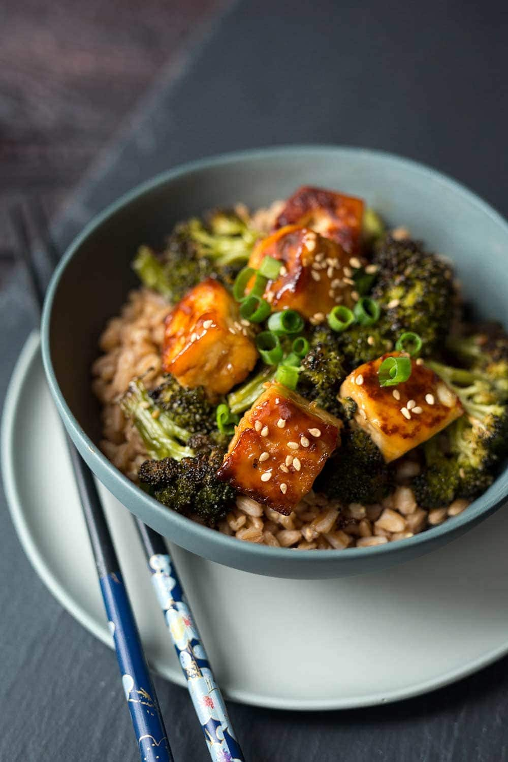 This delicious Weight Watchers-friendly recipe sweet and spicy Asian tofu is a fast and satisfying lunch or dinner.