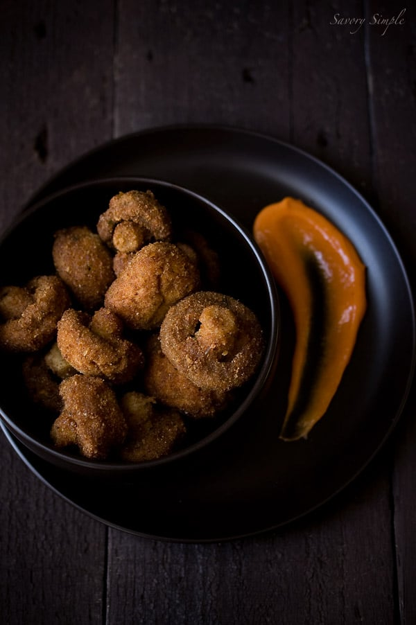 Crispy Old Bay Mushrooms with Sriracha Mayo ~ Savory Simple ~ www.savorysimple.net