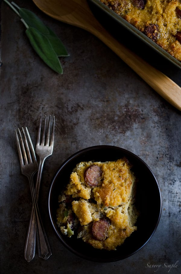 Italian Sausage Cornbread Stuffing - a flavorful recipe that's perfect for #Thanksgiving!