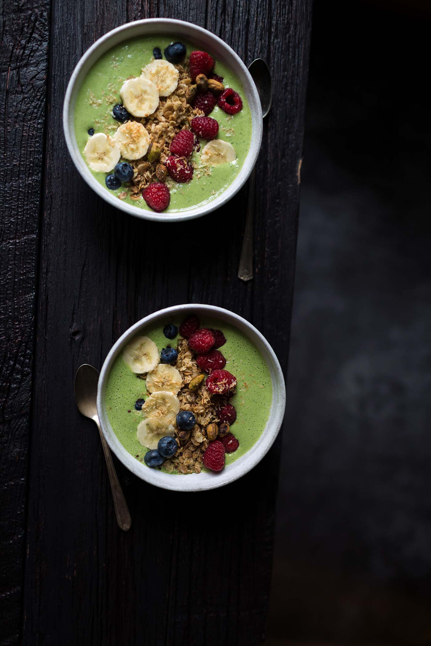 This Green Berry Granola Smoothie Bowl is a healthy, flavorful breakfast that also supports a great cause! Get the easy-to-follow recipe from Savory Simple.