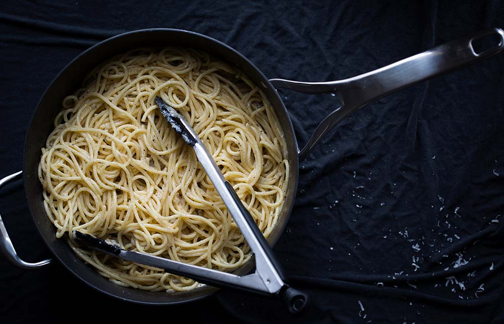 cacio e pepe, an example of how to use pasta water for recipes