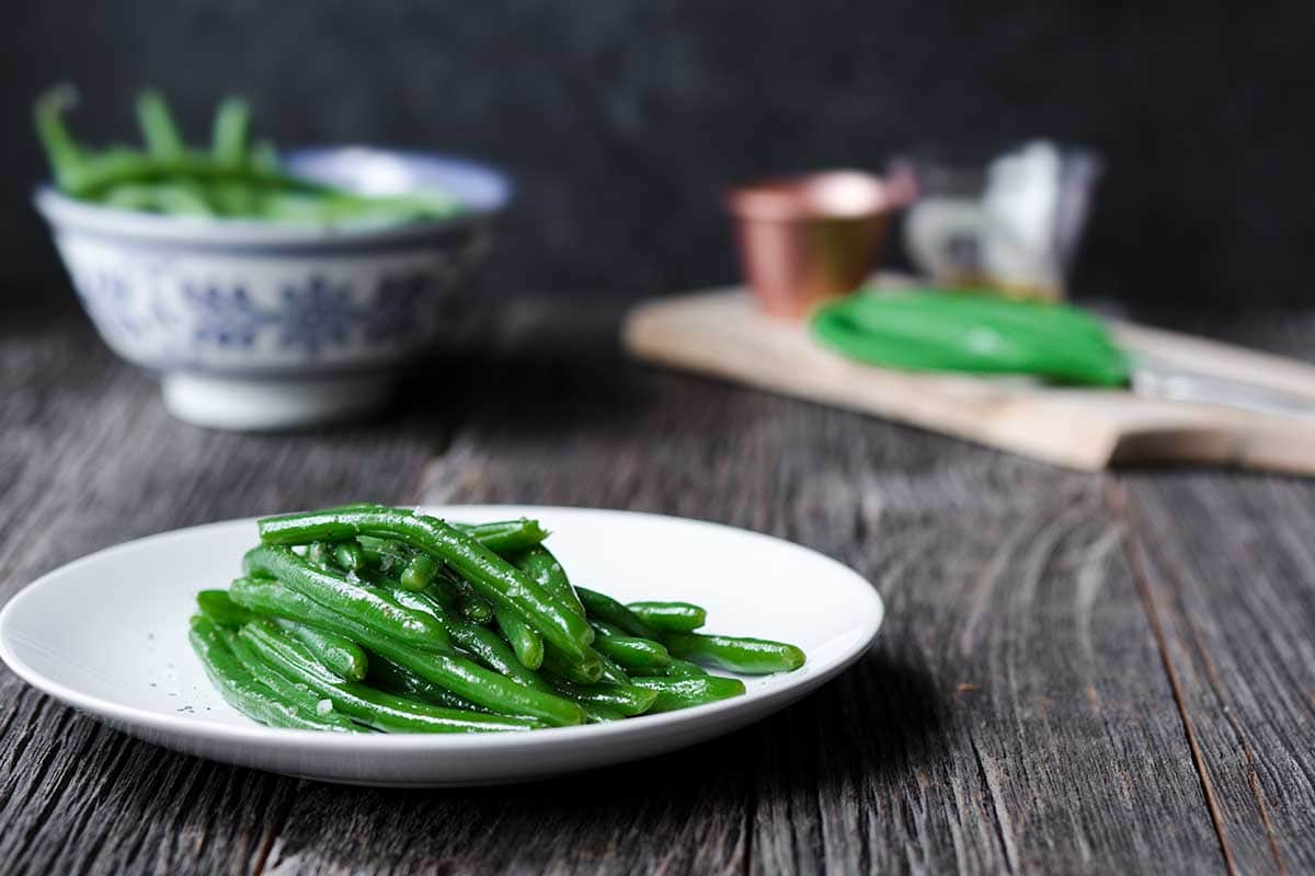 How to Cook Green Beans - green beans on a plate