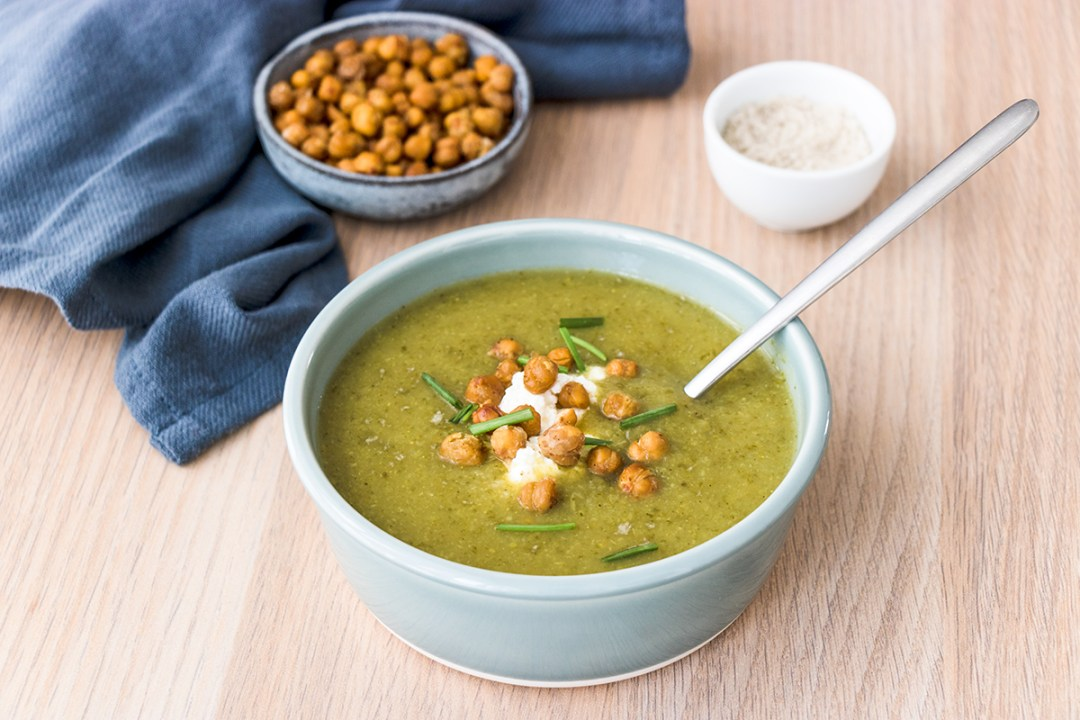 soupe-legumes-verts-fromage-frais-pois-chiches