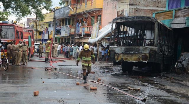 A bus burnt in Kanchipuram following Jaya's conviction