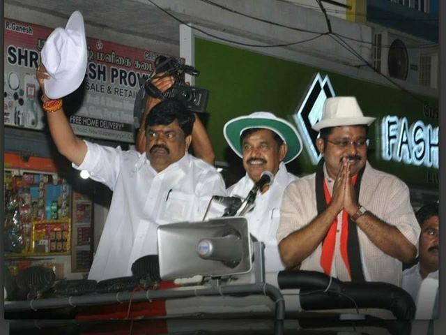 201703241212534996_CM-campaigns-with-hat-says-Dinakaran-will-fill-Jayas-void_SECVPF
