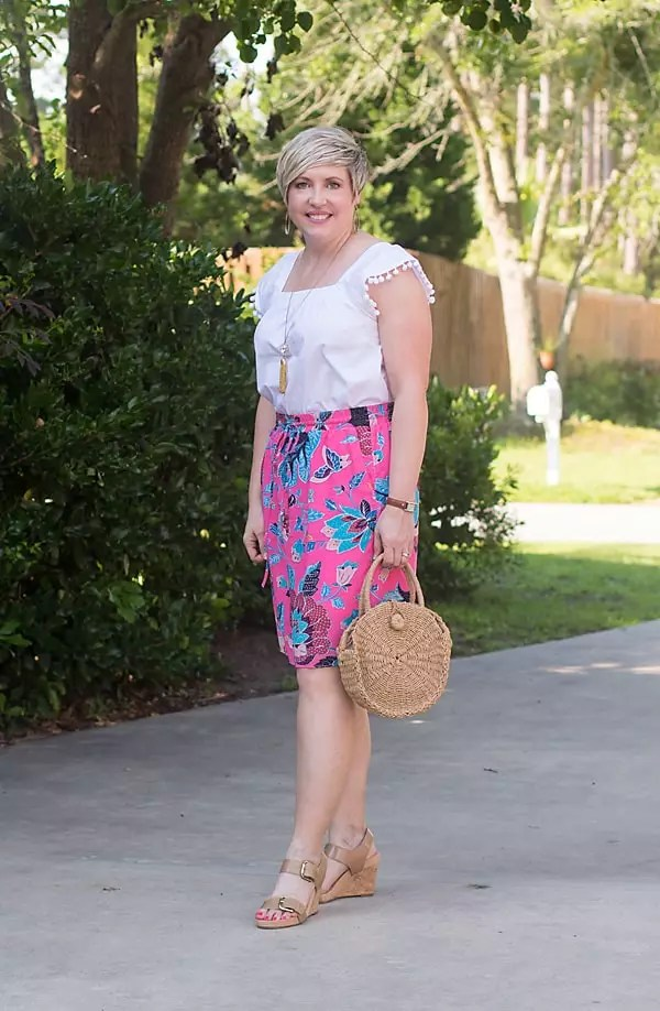 skirts or shorts, skirt outfit, summer fashion, straw bag