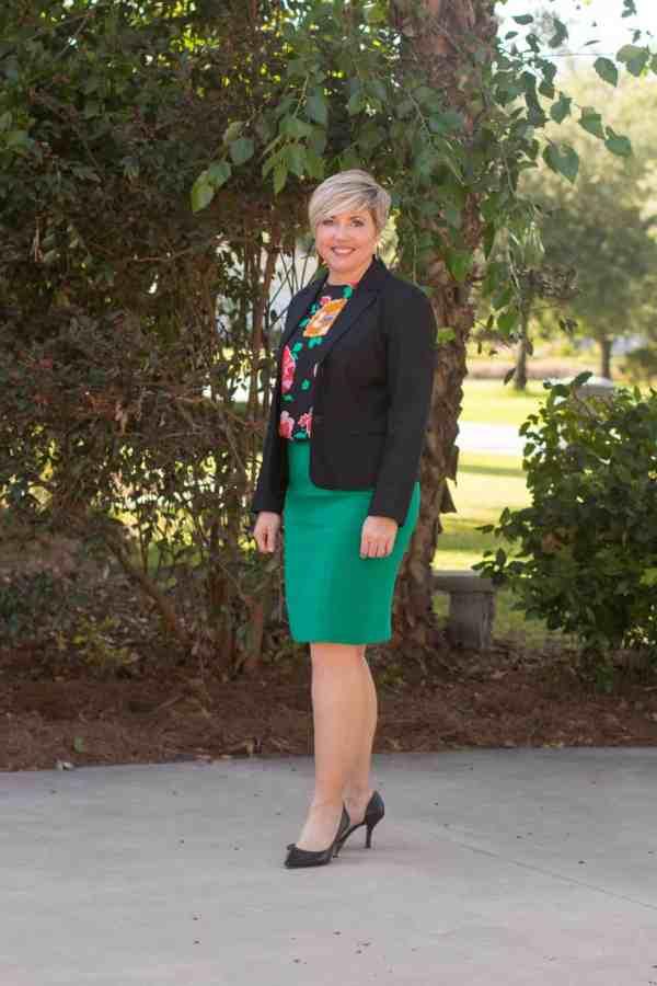 summer office attire, womens work wear, pencil skirt outfit, black blazer outfit