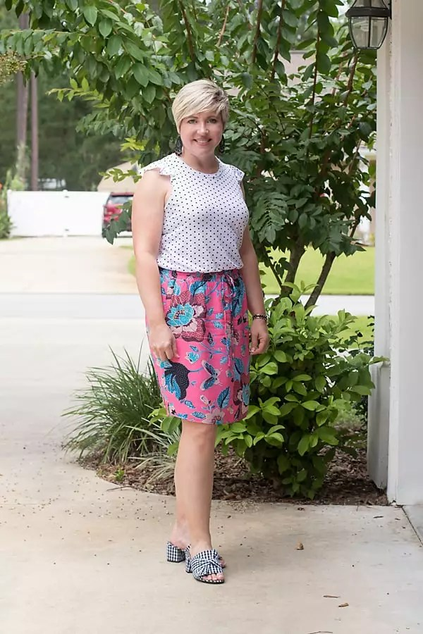Print mixing, dots and florals, dots and gingham, summer outfit