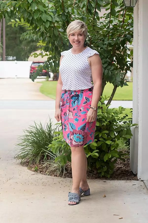 dots and florals print mixing outfit