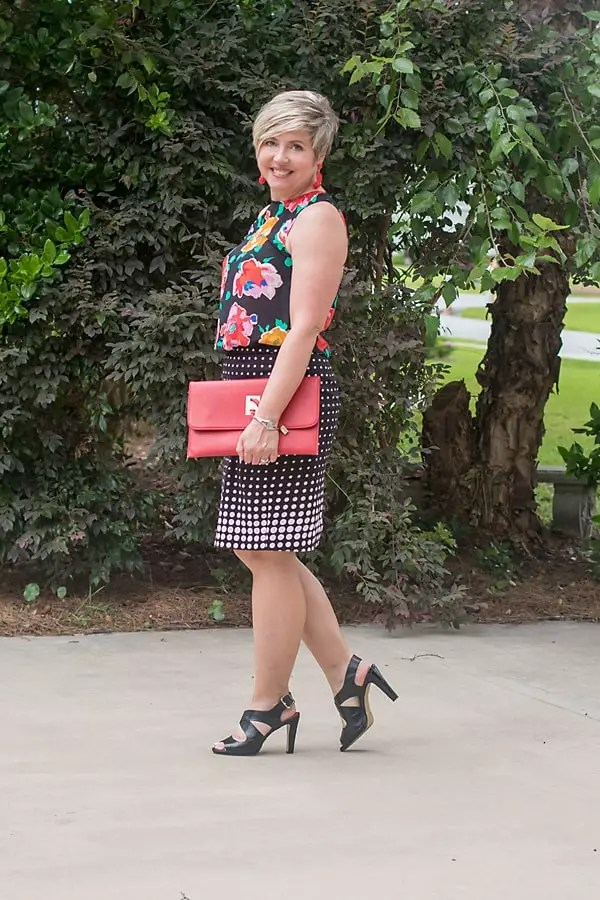 desk to date night outfit, pattern mixing, pencil skirt outfit, floral blouse outfit