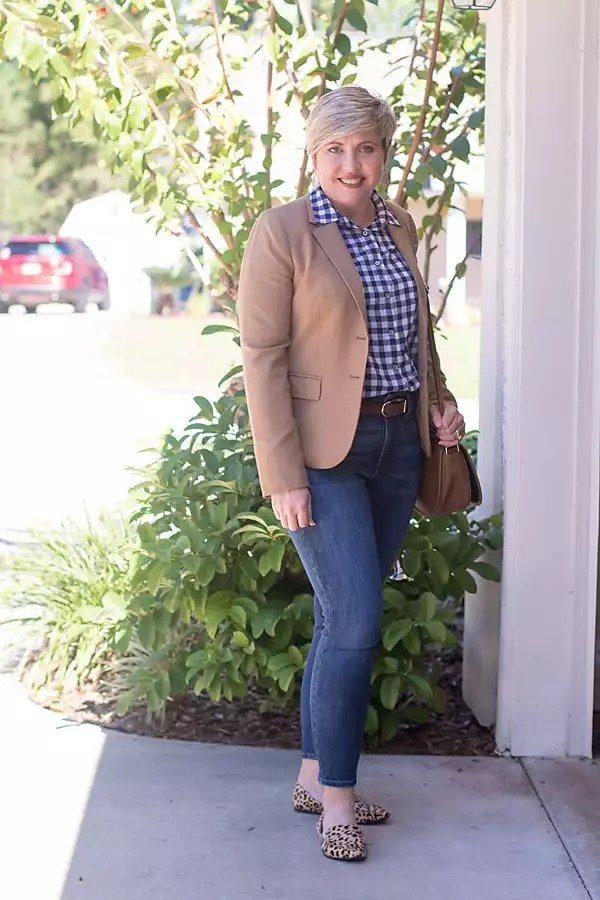 5 classic clothing pieces, camel blazer outfit
