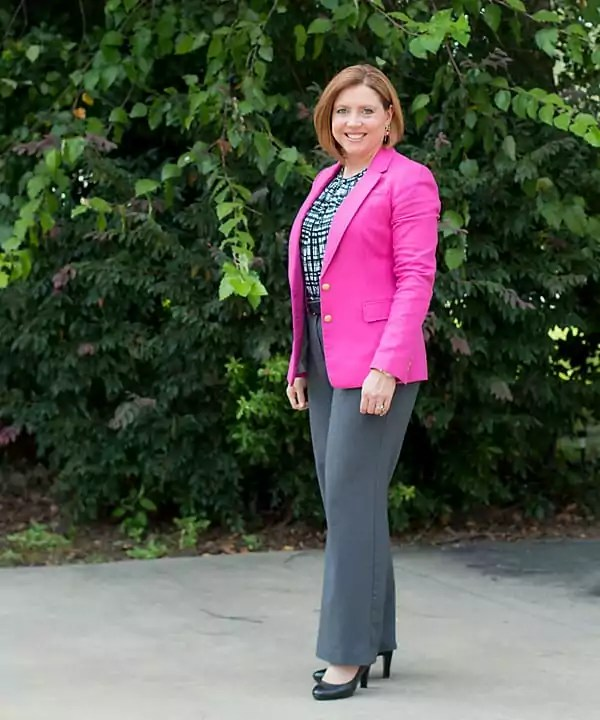 Hot pink, grey and black combo for the office