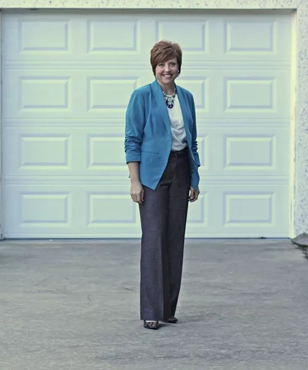 womens office attire with teal blazer and chocolate brown pants