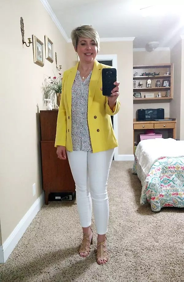 white jeans and yellow blazer dressy casual outfit