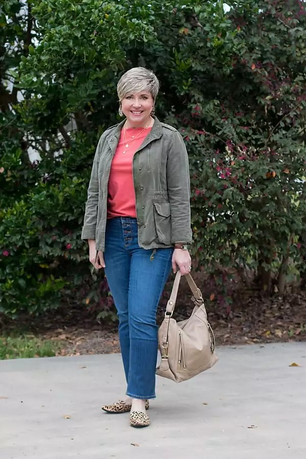utility jacket in women's spring outfit