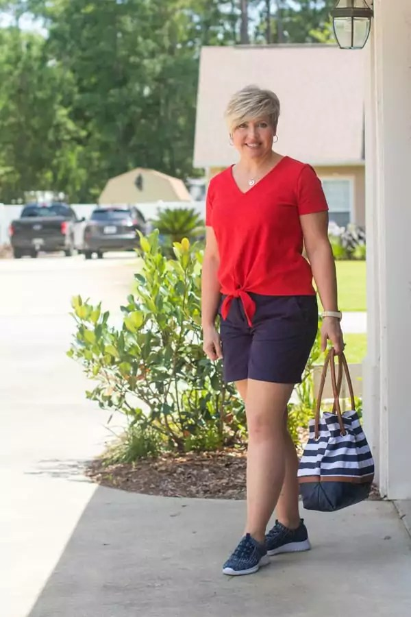 cute summer travel outfit/ red and blue Fourth of July outfit