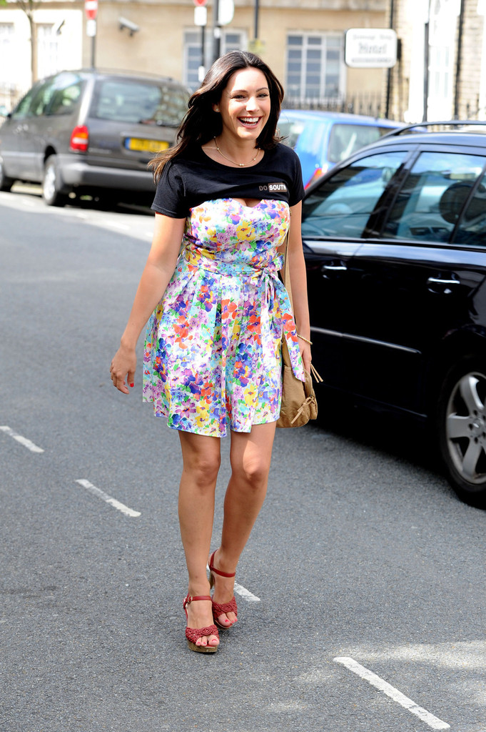 Kelly Brook At Taking Stock Set In London 2 SAWFIRST