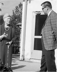 Laura Brinton discusses Brinton Brook Sanctuary with SMRA President Stan Lincoln. (circa 1960s) Photo: SMRA Archives.