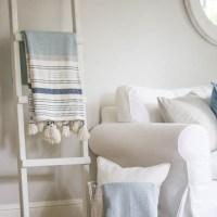 White Dipped Blanket Ladder DIY