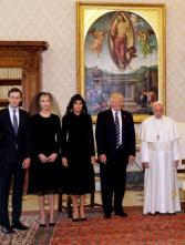 Pope Francis poses with U.S. President Donald Trump (2nd R) his wife Melania (C), Jared Kushner (L) and Ivanka Trump (2nd L) during a private audience at the Vatican, May 24, 2017. REUTERS/Alessandra Tarantino/pool