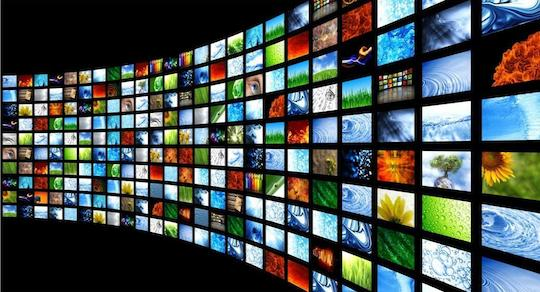 TV-screen-wall