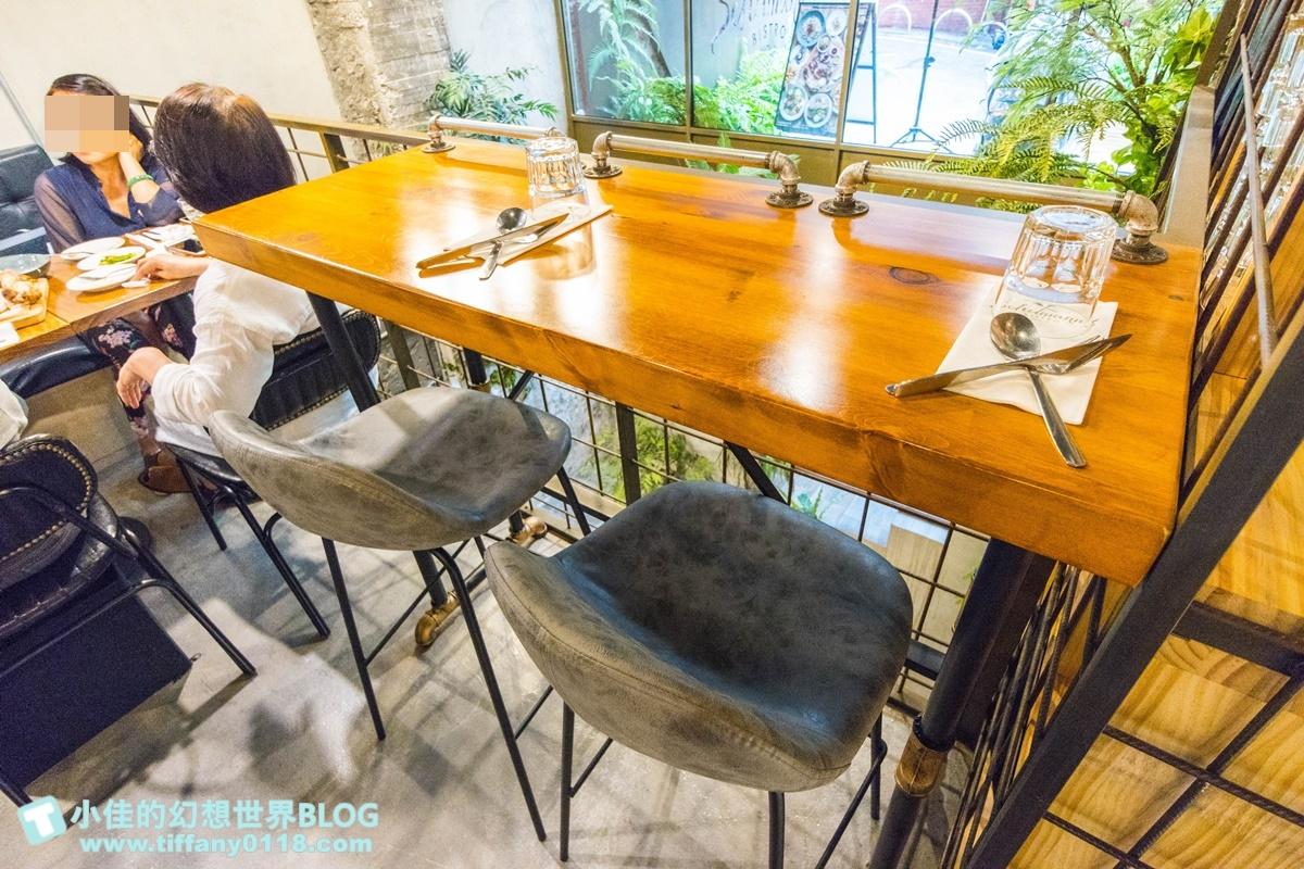 [南京復興站美食]舒曼六號餐館南京店(附菜單)/超強德國豬腳沒預約吃不到/台北早午餐推薦/網美餐廳推薦