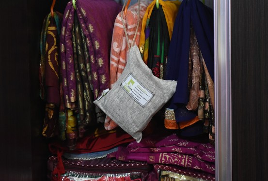Use VayuBag in Wardrobe