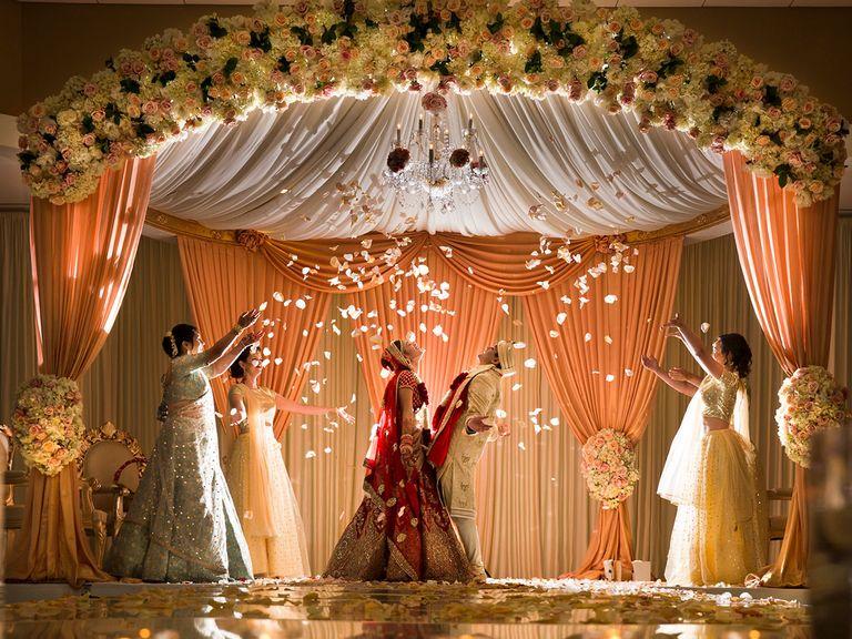 Wedding venue decoration tips