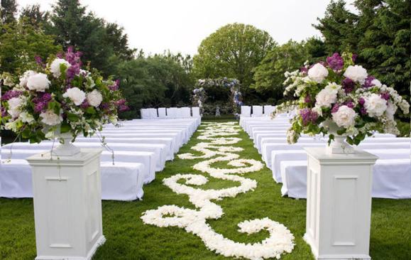 زفاف في الحديقة